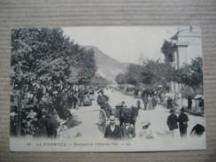 PUY DE DOME  63      LA BOURBOULE    -   BOULEVARD  DE L´HOTEL DE VILLE       TRES  ANIME  TTB - La Bourboule