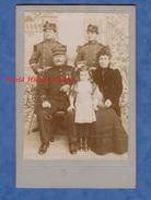 Photo Ancienne Vers 1900 - Portrait De Famille - Officier Du 81e Régiment , Soldat Du 26e , Chasseurs ? - Enfant Mode - Guerre, Militaire
