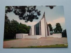 Grafkapel Van De Dienaar Gods Priester E. J. M. Poppe Te Moerzeke () Anno 19?? ( Zie Foto Details ) !! - Moerbeke-Waas