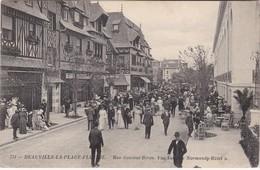 """DEAUVILLE-LA PLAGE-FLEURIE - Rue Gontaut-Biron - Vue Sur Le """"Normandy Hôtel"""" - Très Animé - Deauville"""