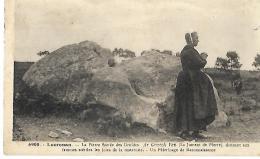 LOCRONAN - La Pierre Sacrée Des Druides - 6908 - EN ETAT - Menhir - Dolmen & Menhirs