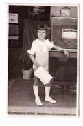 Cpa Carte Photographie Photo Fille Fillette Enfant Appareil Radio Sono ? - Photographie