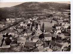 CPA.71.Gibles.Vue Générale Sur Le Quartier De L'Eglise Et Montagne Saint Cyr. 10,5 Cm X 15 Cm. - France