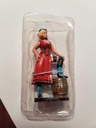 Figurine Delprado  Plomb  Fille De Saloon - Figurines