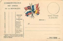 A-17-4404 : CARTE CORRESPONDANCE MILITAIRE EN FRANCHISE POSTALE. DRAPEAUX. - Marcofilia (sobres)