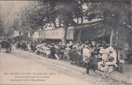 17-CHATELAILLON-PLAGE-Terrasse Du Café De La POSTE - Boulevard De La République... Animé - Châtelaillon-Plage