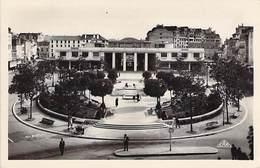 64 - PAU - Le Palais Des Pyrénées Et Le Square Clémenceau. - Pau