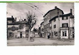 CPSM-69-LYON-LE POINT-du-JOUR-LA RUE DES AQUEDUCS-ANIMÉE-QUINCAILLERIE-PUBLICITE JOSEPH BERNARD-CHARBONS-BOIS-MERCERIE- - Lyon