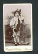 #photo NN038 -  CDV - Fille Artiste De Cirque ? Par BROUILLOT à BESANCON - Photo Carte De Visite - Anciennes (Av. 1900)