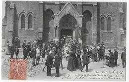 Cpa Bon Etat ,calais , L'église Du Courgain  (sortie De Messe) , Grosse Animation, Timbre Courrier Verso - Calais