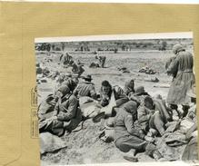Guerre 39/45 - Les Armées Allemandes Aux Portes D'athénes  , Des Soldats Faits Prisonniers - War, Military