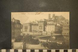 CP, 55, VERDUN, Place Chevert Pont Beaurepaire , Animé - Verdun
