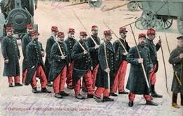 CPA Allemande PRISONNIERS FRANçAIS Tenue Garance  Outils Ferme, écrite En Allemand Tampon Altengrabow BZ Magdeburg 1916 - 1914-18