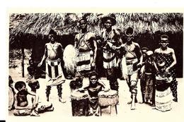 Tanzanie. Groupe De Danseurs Wa Zigoua. - Tanzanie