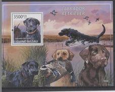 Guinée Bissau 2009  Dogs Chiens Chien De Chasse - Perros