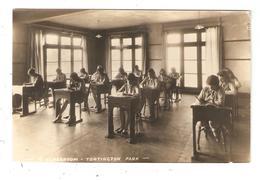 Carte Photo ARUNDEL Tortington Park Une Classe élèves Filles A Classroom Pupils Girls - Arundel