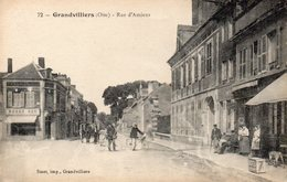 CPA GRANDVILLIERS - RUE D'AMIENS - Grandvilliers