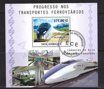 MOZAMBIQUE 2010 TRAINS   YVERT  N°  OBLITERE - Trains