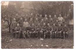 Photo Originale Groupe De  Soldats Prisonniers De Guerre ( 1939- 1945 ), STALAG IX C ( BAD SULZA  ) L. Wessner ;RARE - Guerra, Militari