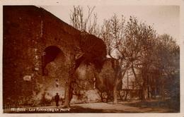"Cpa 34 AGDE Rare Carte-photo Sépia LES REMPARTS Et La POSTE , Photo ""CLAIR PHOTO"" Agde, Tampon à Sec, Dos Vierge - Agde"