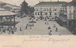 AK Gruss Aus Pyrmont Brunnenplatz S/w Gelaufen 21.7.02 - Bad Pyrmont