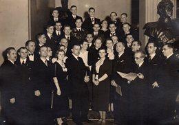 Grande Photo Originale Groupe Trop Sérieux à Berlin Le 19.03.1938 - B.A.G. - Hommage & Uniforme Allemand - Anonyme Personen