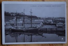 29 : Brest - Le Port De Commerce - Premier Bassin - Bateau : Voilier Trois Mats à Quai - (n°7636) - Brest