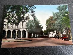 CPSM Animée - DJIBOUTI - La Place Ménélick Et Rue D'Ethiopie - Dschibuti