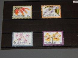 St.Vincent 1996 Flowers MNH__(TH-18558) - St.Vincent (1979-...)