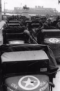 WW2 - Photo-carte - Bataille De Normandie - Camions Américains Place Napoléon à Cherbourg - 1939-45