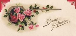 MINI CARTE--BONNE ANNEE---fleurs De Roses + Houx  + Gaufrée---voir 2 Scans - Old Paper