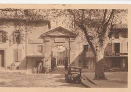 CPA 84 BOLLENE PLACE ET PORTE DU PONTET COIFFEUR MAISON BERAUD - Bollene