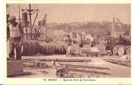 Cp 29 BREST Quai Du Port De Commerce ( Travail Des Enfants , Grues , Bateaux , Futs , Ouvriers , Docker , Dock ) - Brest