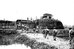 Militaria Indochine - Les Paras Du 7ème BCP Pénètrent Dans Yen Cu Ha En Juin 1951 - Documents