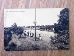 CPA 33 CASSY : La Piscine, Animé, TRES RARE - France