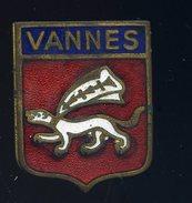 Ancien Insigne émaillé Vannes  Ins4 - Insignes & Rubans