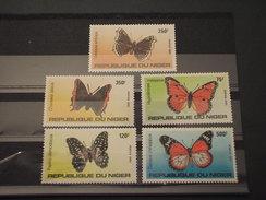 NIGER - 1983 FARFALLE  5 VALORI  - NUOVI(++) - Niger (1960-...)