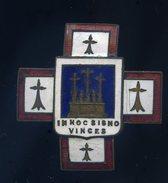 Ancien Insigne émaillé - In Hoc Signo Vinces - à Identifier ??  Ins4 - Marine