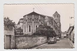 BARBEZIEUX N° 4847 - CENTRE DE LA VILLE, ABSIDE DE L'EGLISE ST-MATHIAS (PEUGEOT 203) - Other Municipalities