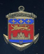 Ancien Insigne émaillé Le Bordelais  -- Fabrication Arthus Bertrand Ins5 - Marine