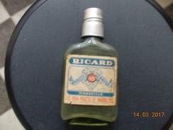 FLASQUE VERRE  RICARD   Distileries  Ricard  MARSEILLE Ste MARTHE - Spirits