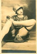 Cpa Jeune Femme Nue - Chapeau Années 20 - Nus Adultes (< 1960)