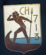 Ancien Insigne émaillé -- Chasseur 713 - Fabrication Augis Lyon  Ins1 - Marine