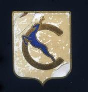 Ancien Insigne Marine  émaillé -- Chamois - Augis Lyon  Ins1 - Marine