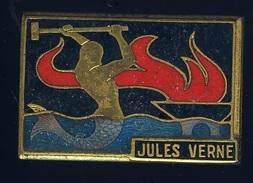 Ancien Insigne Marine émaillé -- Jules Verne  -- Augis Lyon  Ins2 - Marine