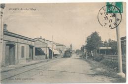 AUCAMVILLE - Le Village - France