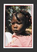 MALI - AFRIQUE - JOLIE FILLETTE ENFANT J'AI 2 ANS ET JE PRENDS DÉJÀ LA VIE AU SÉRIEUX - PAR MICHEL TESSIER - Mali