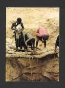 MALI - AFRIQUE - LE PUITS DU VILLAGE ANAKONDA PLATEAU DOGON  - PHOTO YVES PAUWELS - Mali