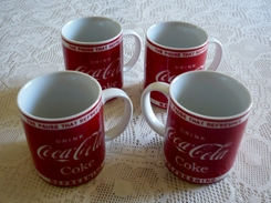 LOT DE 4 SUPERBES MUG - COCA-COLA - Drink - Coke - The Pause That Refreshes - Refreshing - Tasses, Gobelets, Verres