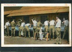 CPA - The Beauty Shop, Très Animé - Guerre 1914-18